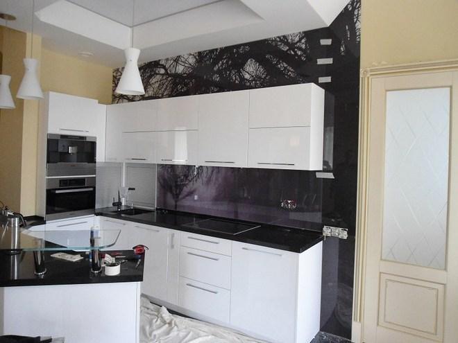 Боковая панель на кухне