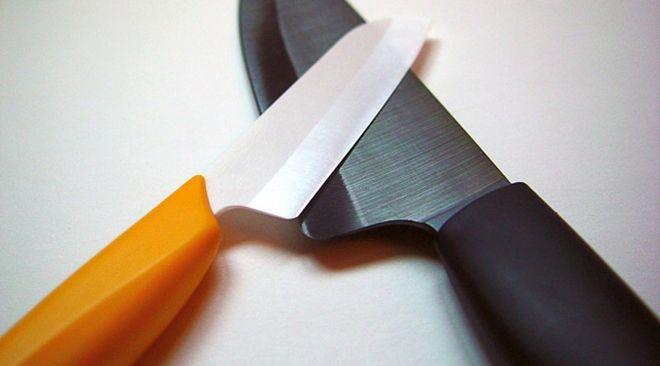 Керамические ножи белый и чёрный