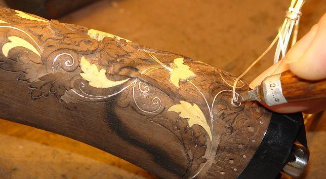 Резьба на деревянной рукояти