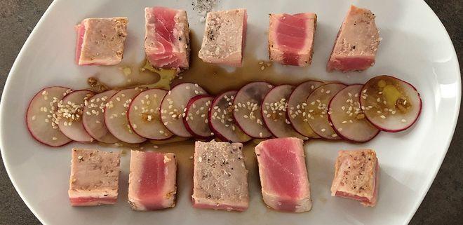 Закуска из тунца нарезанного кубиками