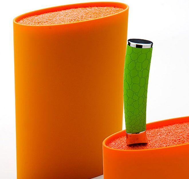 Самодельная пластиковая подставка с наполнителем