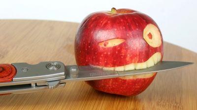 Смешная картинка карвинга с яблоком