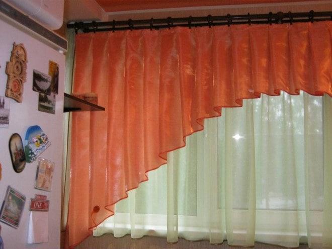 Пример шторы на кухне