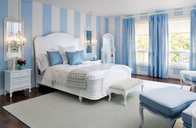 Бело-голубой интерьер