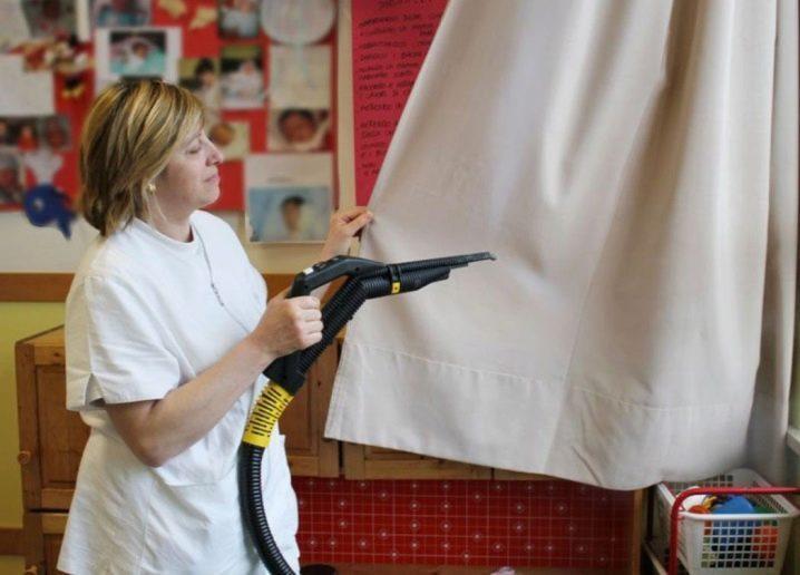 Как мыть рулонные шторы: 3 способа очистки и секреты демонтажа