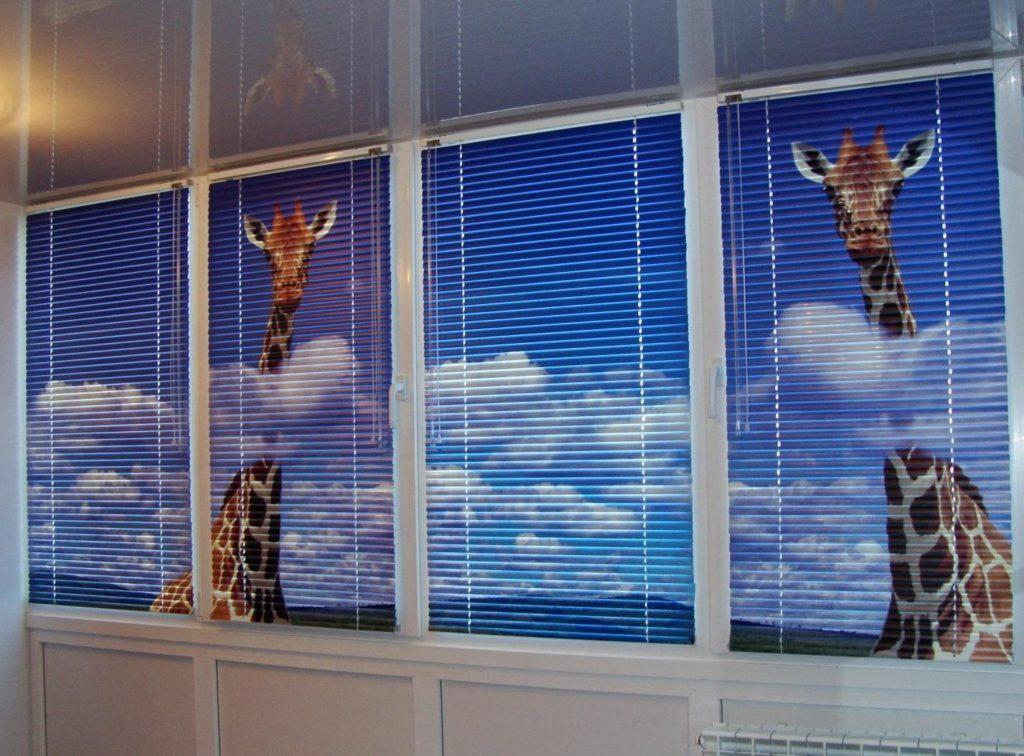 Как выбрать жалюзи на пластиковые окна: 7 разновидностей и их особенности