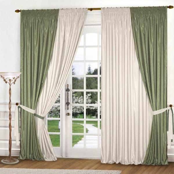 Оливково-бежевые шторы