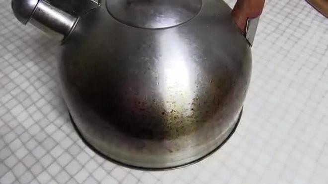 Чайник с жиром