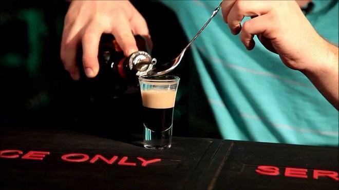 Использование барной ложки