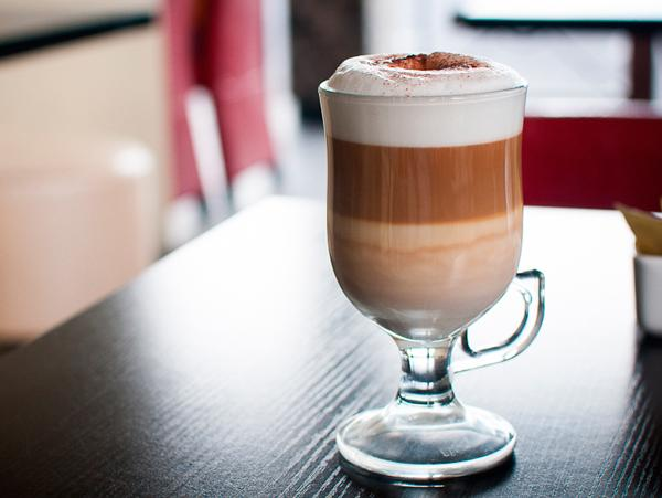 кофе латте.