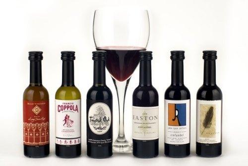 маленькие бутылки для вина.