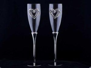 Украшение свадебных бокалов своими руками.