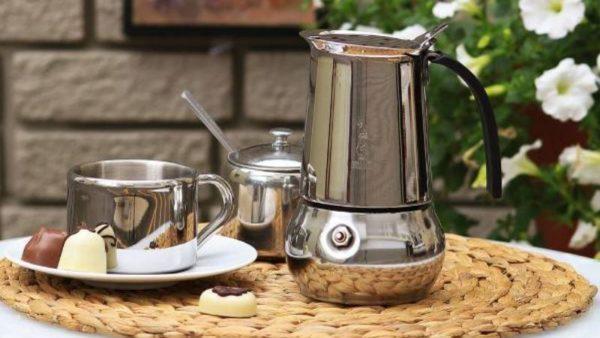 Как работает гейзерная кофеварка.