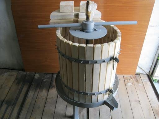 Пресс для винограда своими руками.