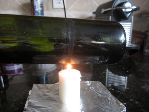 как разрезать бутылку свечей.