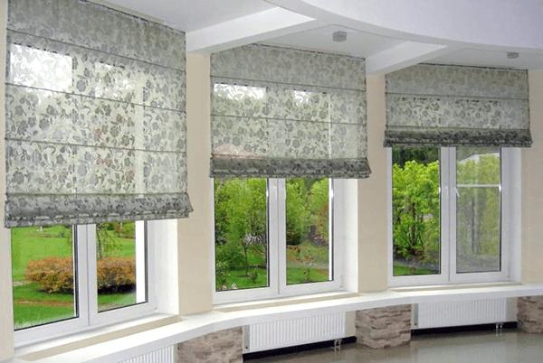 Компактные римские шторы.