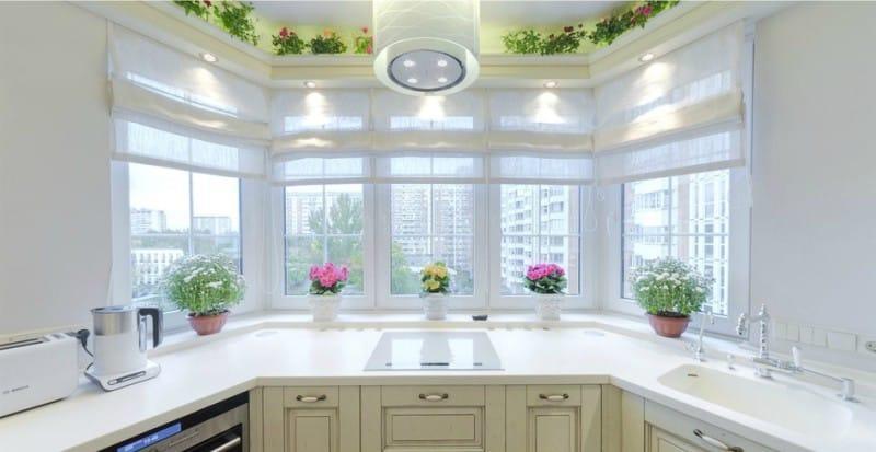 эркерное окно на кухне.
