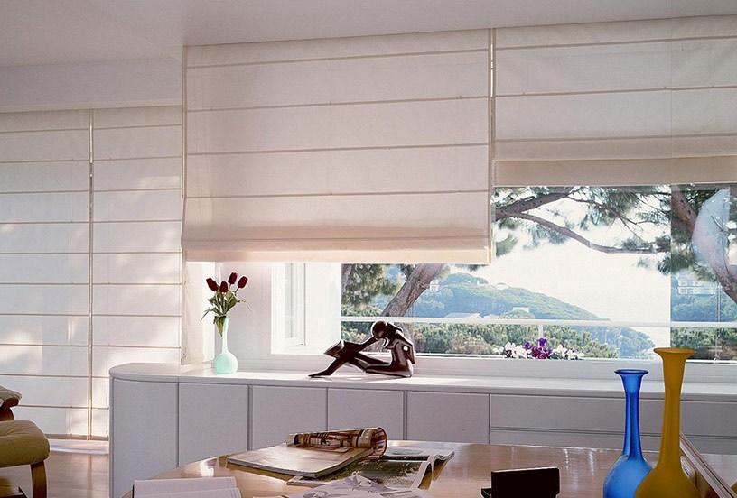 Установка рулонных штор на пластиковые окна: 4 простых шага