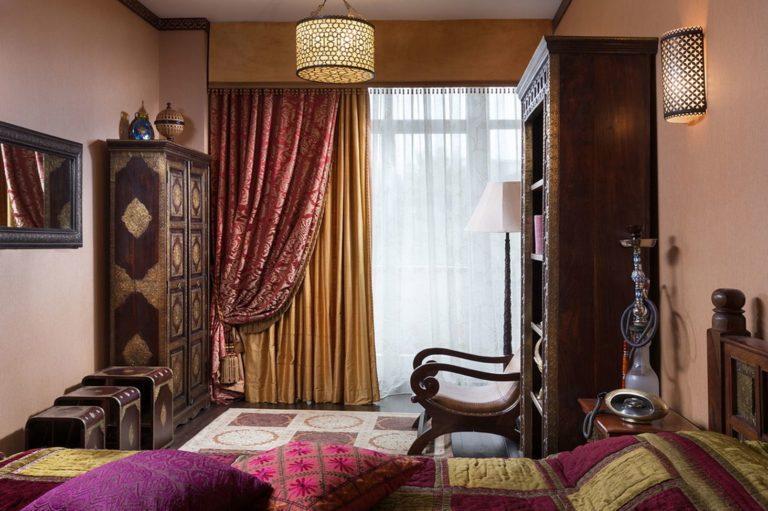 Шторы из бархата в интерьере: 25 идей с фото для современной спальни