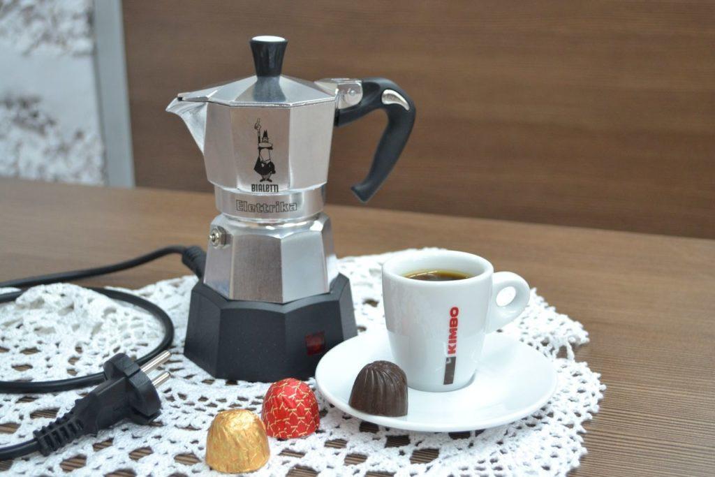 Гейзерная электрокофеварка: как быстро и просто получить вкусный кофе