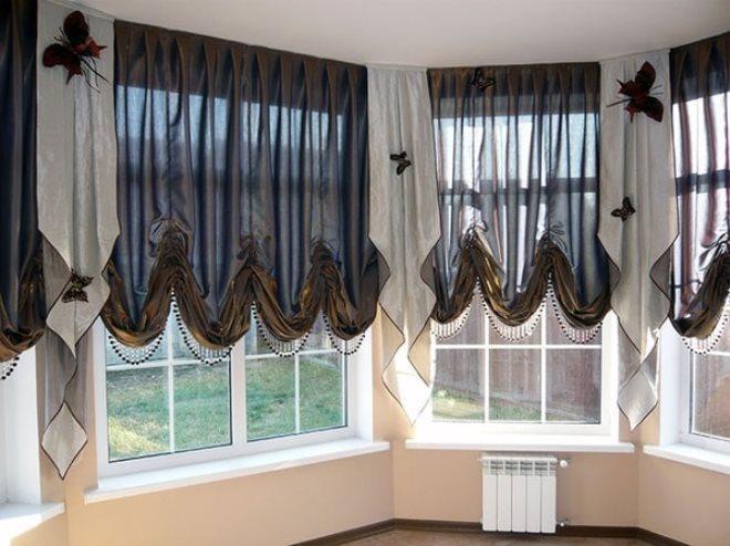 Двухцветные австрийские шторы.