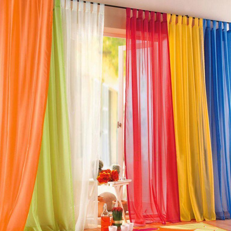 Как повесить тюль: 9 советов по украшению комнат легкой занавесью