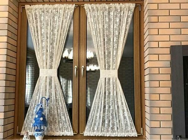 Какая тюль лучше: короткая или длинная - весомые аргументы за укороченные шторы