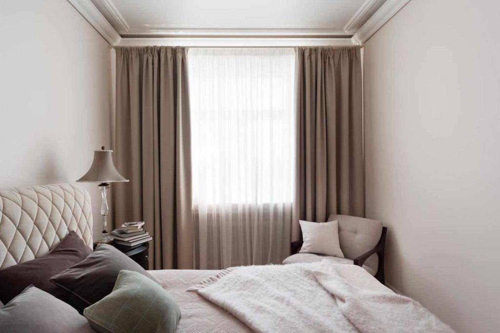 подбор штор в небольшую спальню.