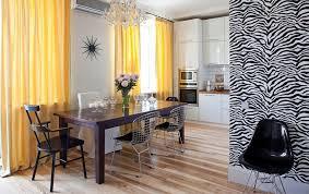 Желтые шторы в спальне: 25 идей украшения занавесками с фото